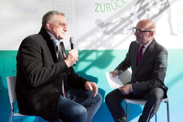 Ebenfalls auf der Bühne im Gespräch: MdB Steffen-Claudio Lemme, SPD. (Bild: ro-b.com/Photographie)