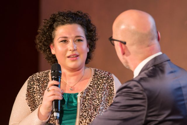 """""""Ich gehe positiv ins Leben und versuche, einfach normal weiterzuleben"""", betont Cancer Survivor Helena Grabowizki. (Bild: ro-b.com/Photographie)"""
