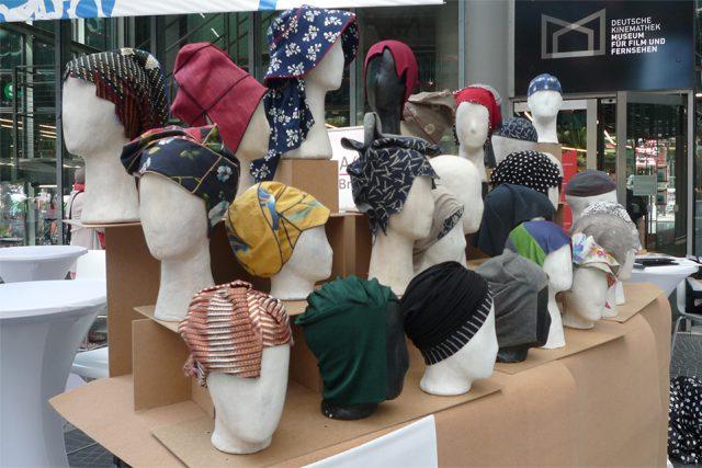 Gut bedacht - Kopfbedeckungen für Frauen während der Chemo (Foto: Iris Meumann)