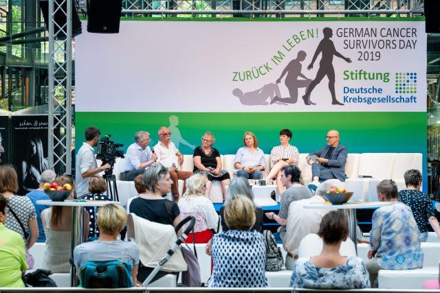 Krebsbetroffene diskutierten mit dem Bundestagsabgeordneten Andrew Ullmann Foto: Pietschmann